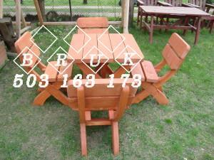 11. stół 80x80 z czterema krzesłami